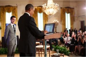 ברק אובמה מצייץ