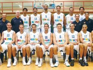 הדמיה של נבחרת ישראל בכדורסל עם השפה העיצובית החדשה