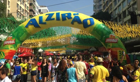 מסיבת רחוב בריו דה ז'ניירו בזמן משחקי גביע העולם