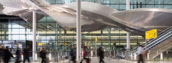 היתרו. לונדון - שדה התעופה העמוס באירופה